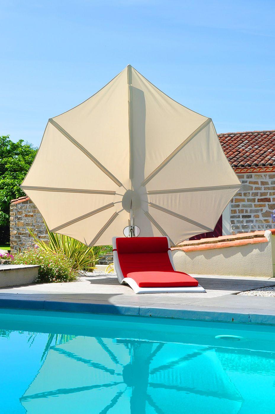 bain de soleil moderne pour espace piscine