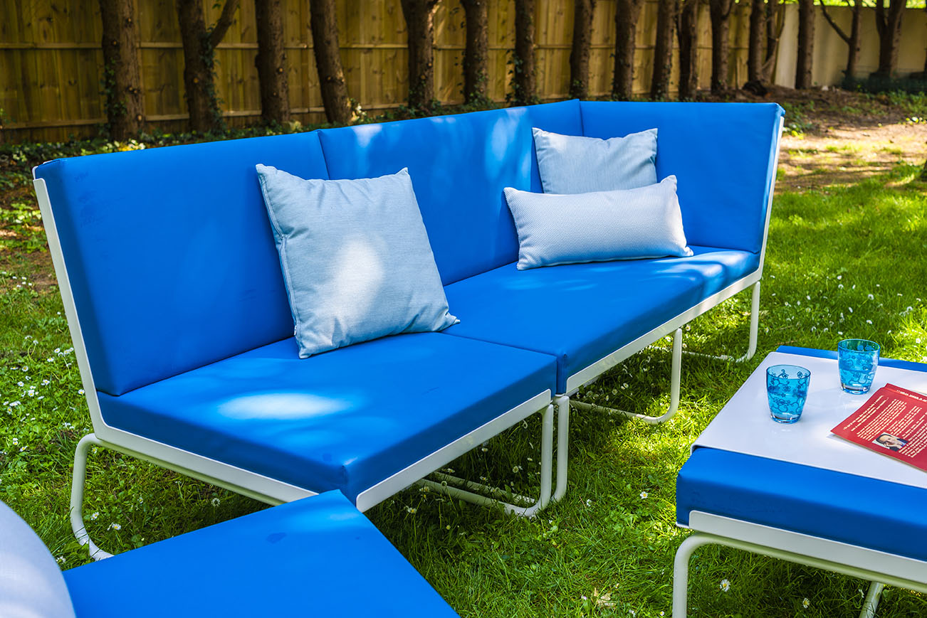 Fauteuil jardin aluminium design coloré cuir-marin PIKS Pure Art'Mely