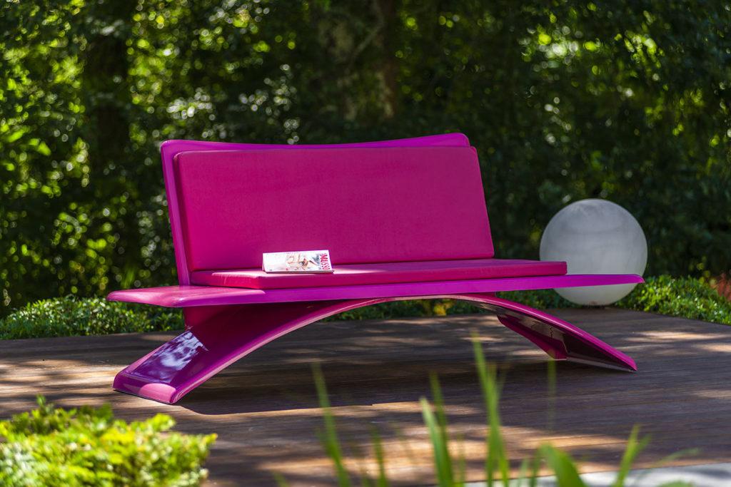 canapé extérieur design rose avec matelas rose