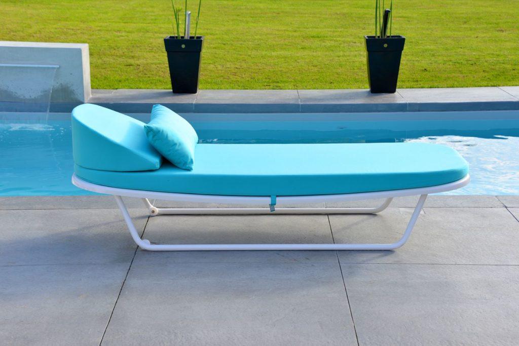 bain de soleil aluminium pour bord de piscine