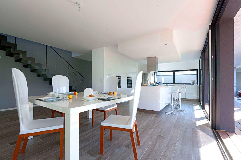 chaise design exterieur moderne en polyester et bois