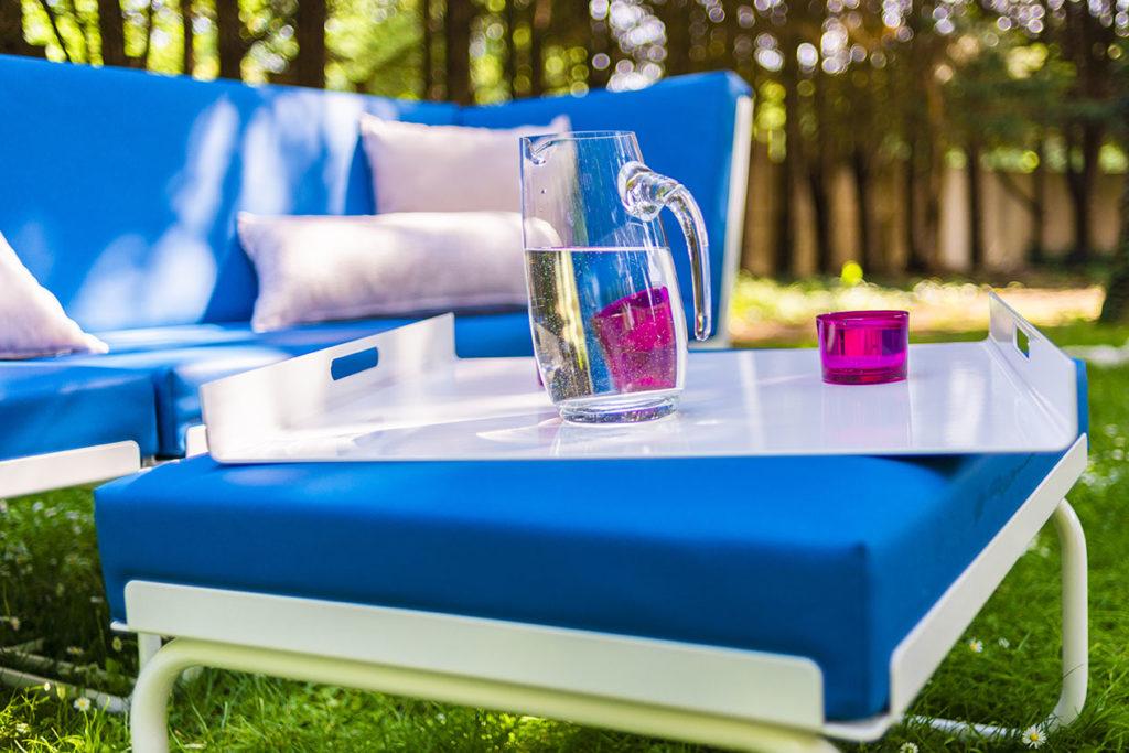 plateau deco design pour salon de jardin