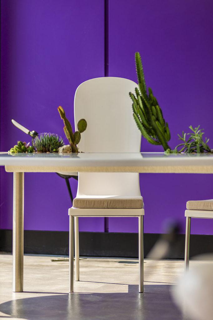 chaise jardin design en composite avec table de jardin